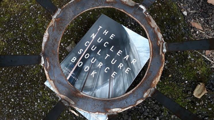 Ele Carpenter - The Nuclear Culture Source Book [IKLECTIK]